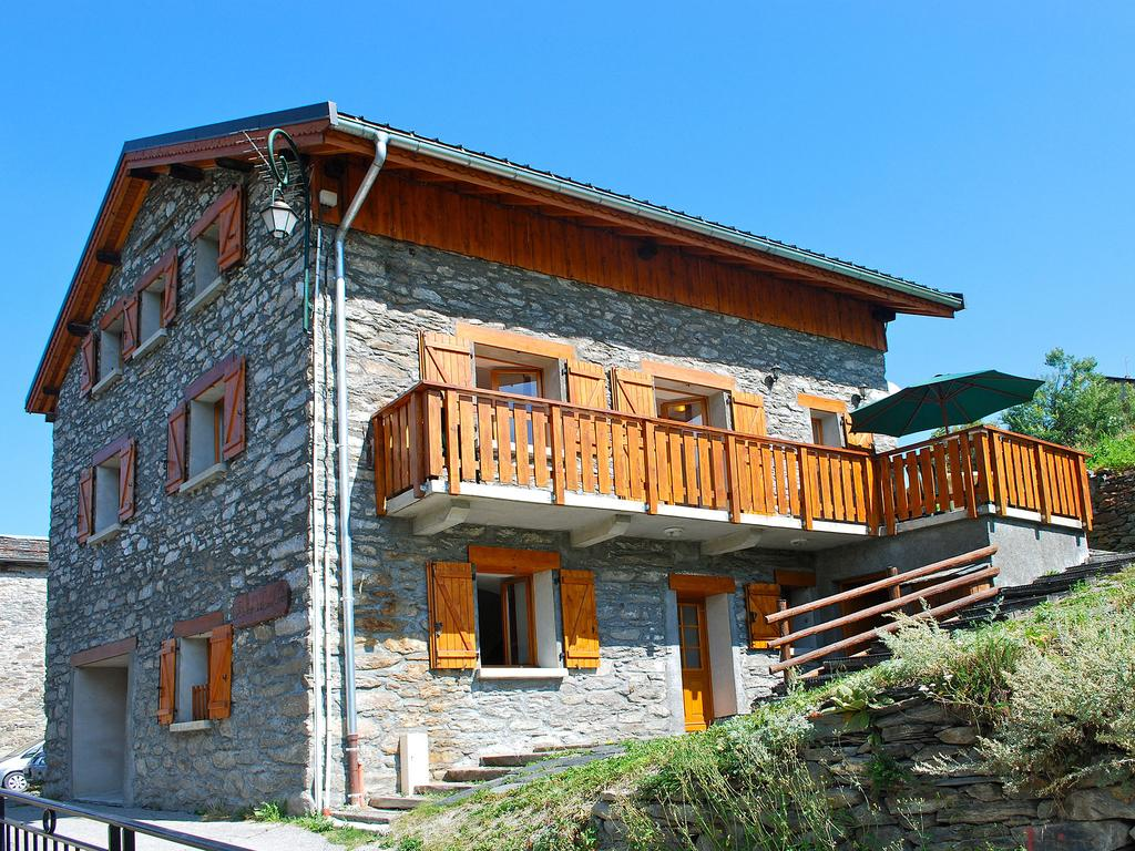 Discover the Best Holiday Rentals Chalets and Apartments in 3 Valleys, France